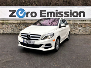 Mercedes B-Class Electric Drive  White - Red